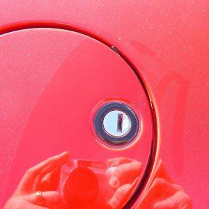 Testarossa Metal Gas Lid Keyhole